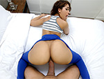brownbunnies: Ripping Kitty�s Yoga Pants to free that Big Bootie