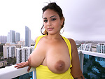 chongas: Latina girl has tits and ass