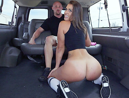 Kelsi Monroe Takes on 4 cocks!