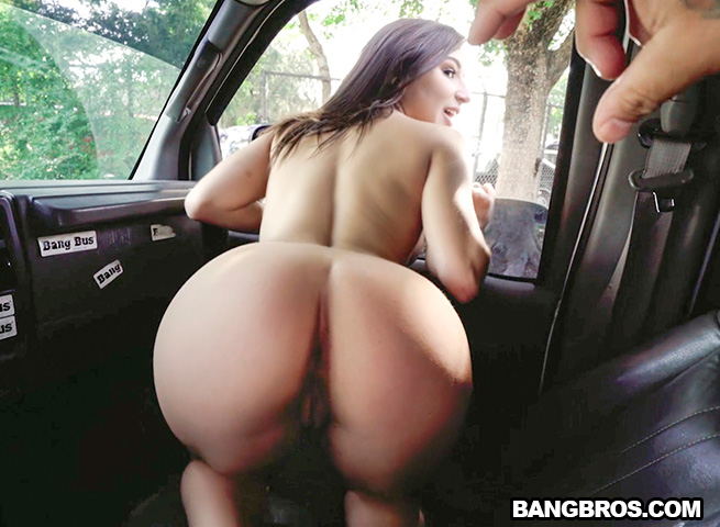 Latina go getter vienna black gets what she deserves on the bangbus