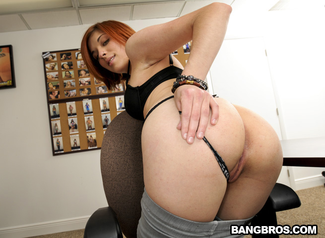 Female domination ballbusting kneeing